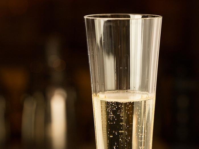 その拍手に耳を傾けながら、シャンパンを愉しむ そんな贅沢な時間を・・・
